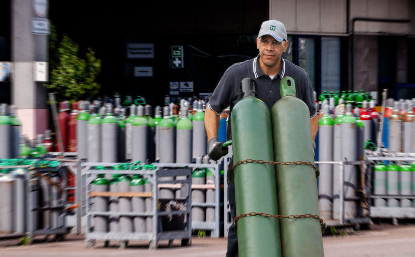 Image of compressed specialty gases being safely transported