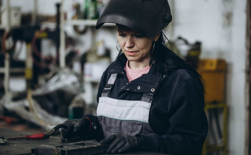 Infographic: Five Resources for Women in Welding